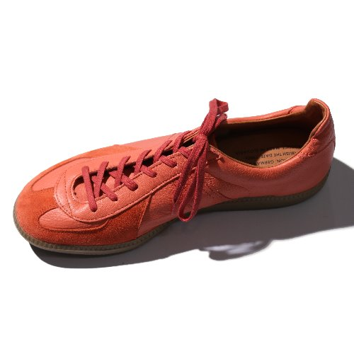 [REPRODUCTION OF FOUND] German Military Trainer (Coral)