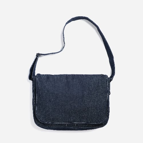 [MAZI UNTITLED X FRIZMWORKS] Mail Bag (Indigo)